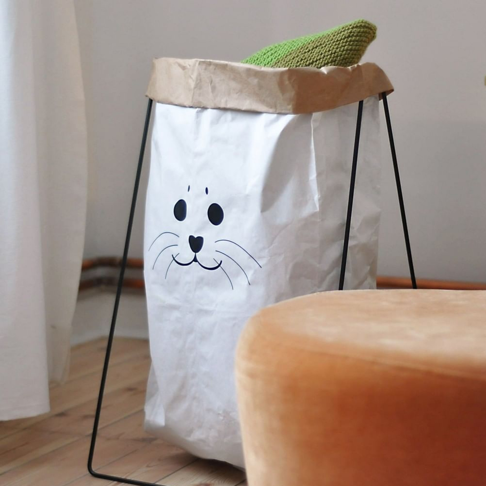 "Paperbag ""Robbe"""