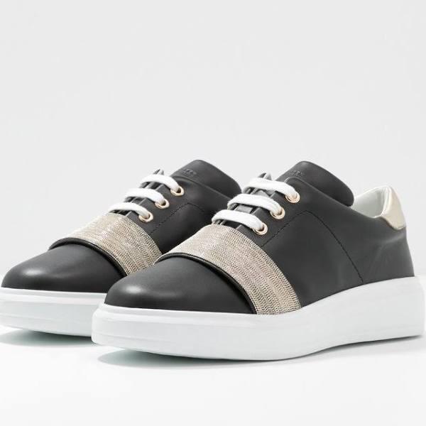 """Ledersneaker mit """"Steinchen"""""""
